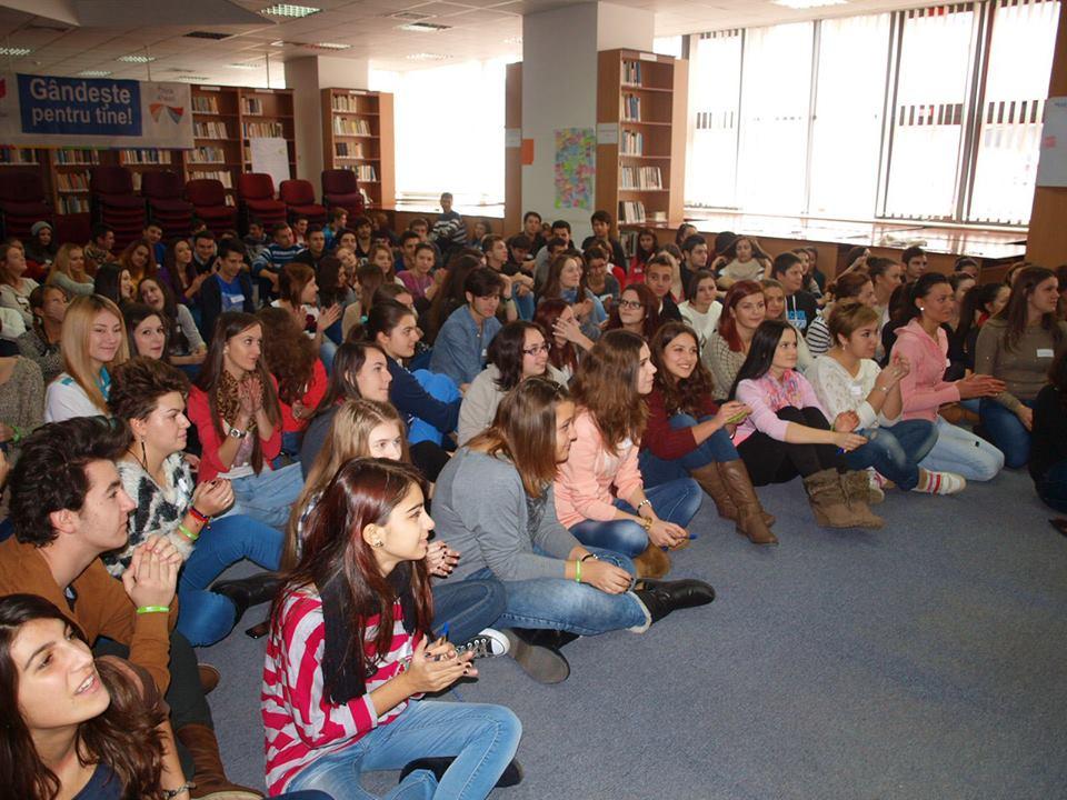 Proiectul Gandeste pentru Tine – Intalnirea cu elevii – Pitesti – 8 Decembrie 2013